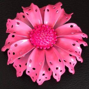 Retro Enamel Flower Brooch in Bubblegum Pink